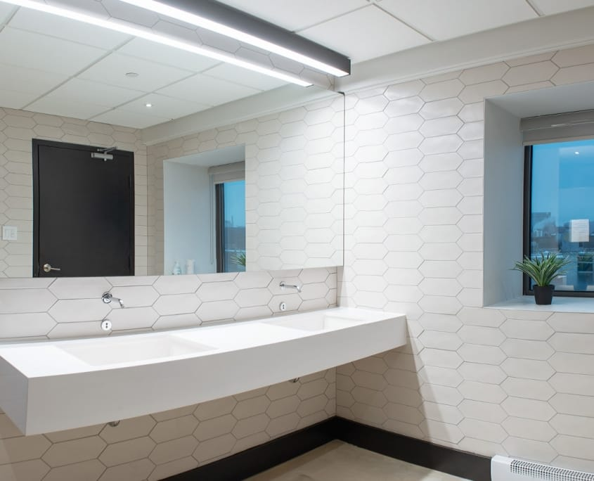 Sorel Project | Bathroom, commercial construction – Projects – Capital 6